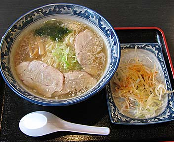 ねぎ塩チャーシューSラーメン/東麺房
