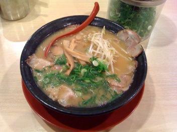 ラーメン横綱 千葉ニュータウン店/チャーシュー麺(並)