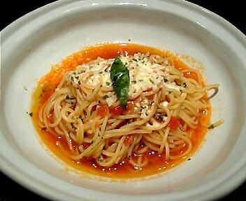 fresh pasta P.style/【農園のフレッシュトマトソース】トマトとモッツァレラチーズのハーブ風味